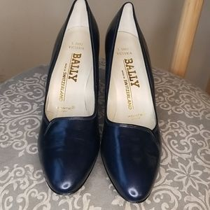 Vintage Bally Victoria Leather Pumps